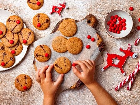 Джинджифилови коледни сладки - снимка на рецептата